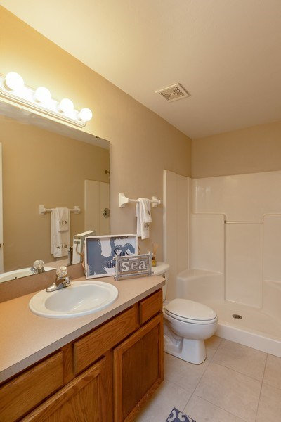 Real Estate Photography - 6 Serenade Place, Palm Coast, FL, 32164 - Master Bathroom