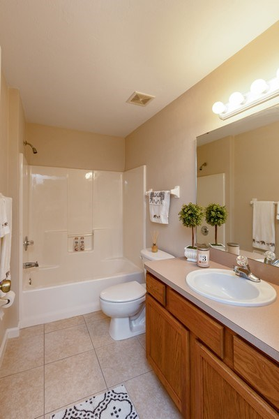 Real Estate Photography - 6 Serenade Place, Palm Coast, FL, 32164 - Bathroom