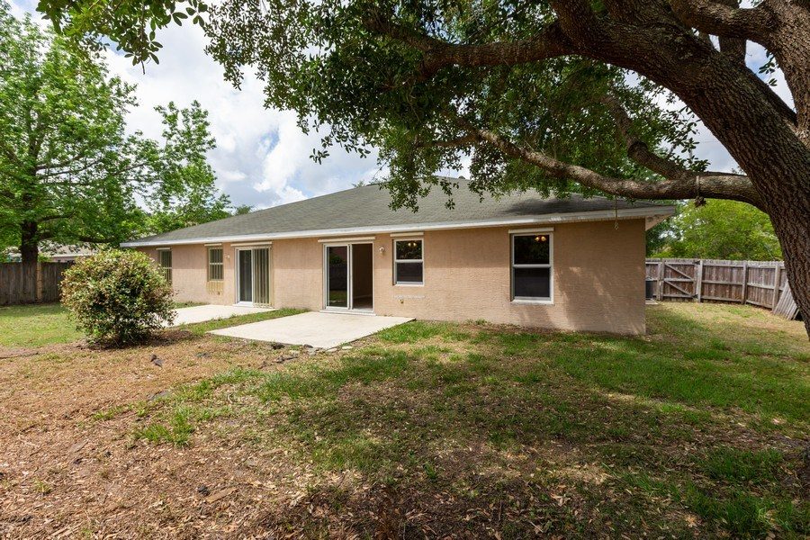 Real Estate Photography - 6 Serenade Place, Palm Coast, FL, 32164 - Rear View