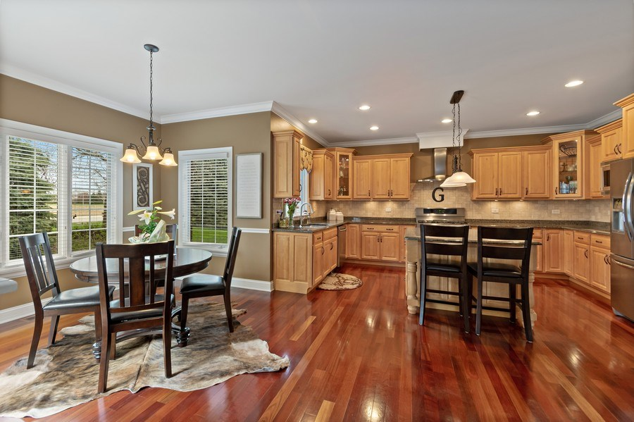 Real Estate Photography - 11650 Sapphire Ct, Frankfort, IL, 60423 - Kitchen / Breakfast Room