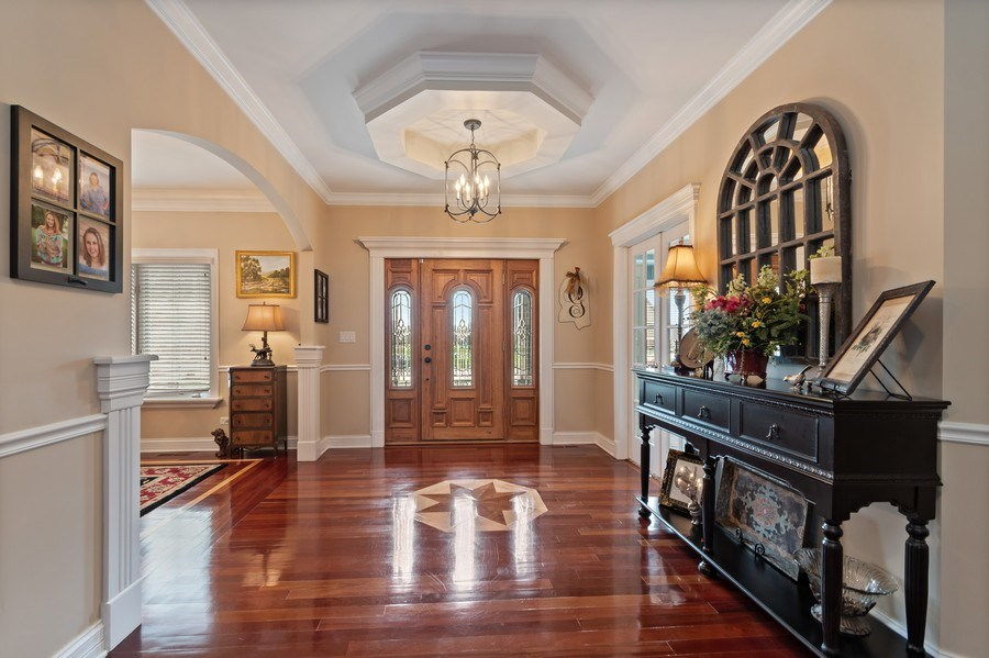 Real Estate Photography - 11650 Sapphire Ct, Frankfort, IL, 60423 - Foyer