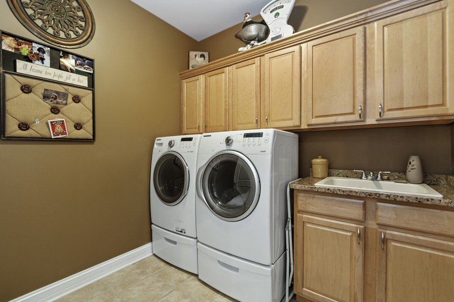 Real Estate Photography - 11650 Sapphire Ct, Frankfort, IL, 60423 - Laundry Room