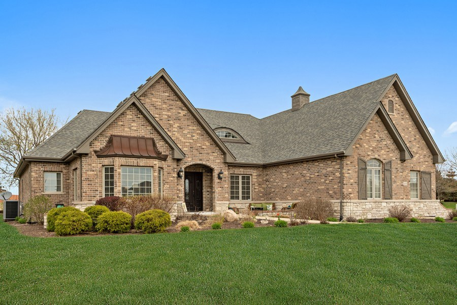 Real Estate Photography - 11650 Sapphire Ct, Frankfort, IL, 60423 - Front View