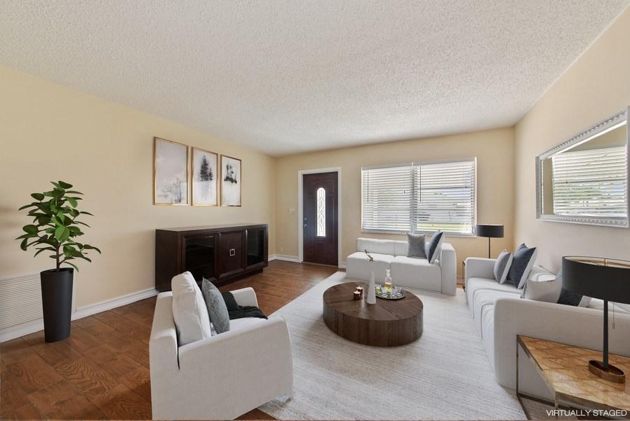 Real Estate Photography - 133 NW 14th St, Boynton Beach, FL, 33426 - Living Room