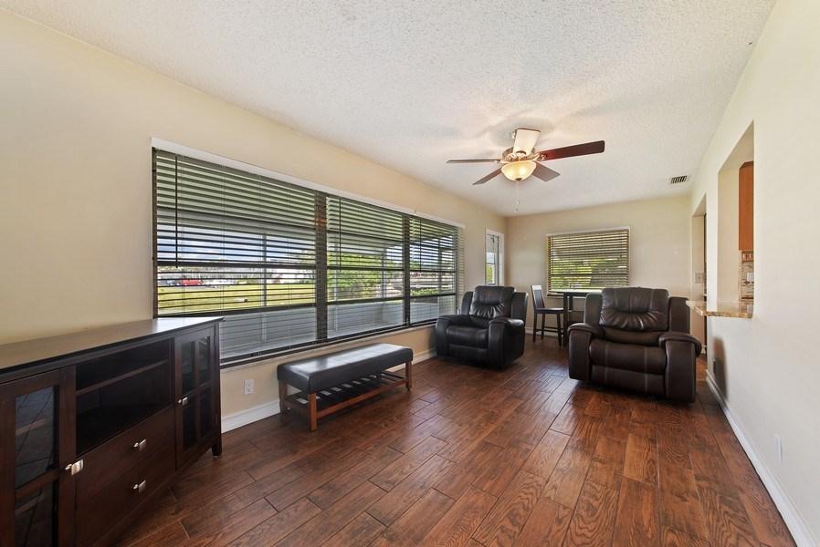 Real Estate Photography - 133 NW 14th St, Boynton Beach, FL, 33426 - Family Room