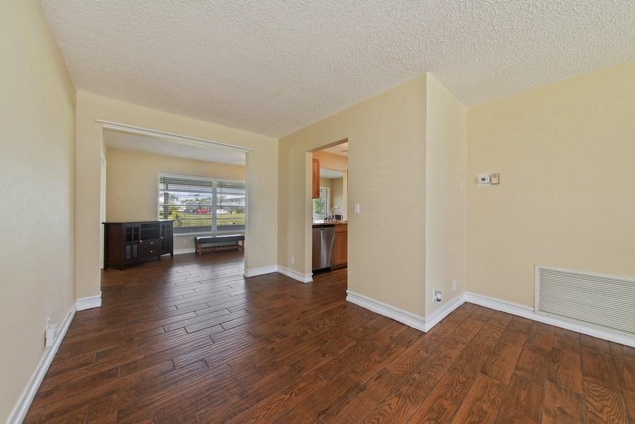 Real Estate Photography - 133 NW 14th St, Boynton Beach, FL, 33426 - Dining Room