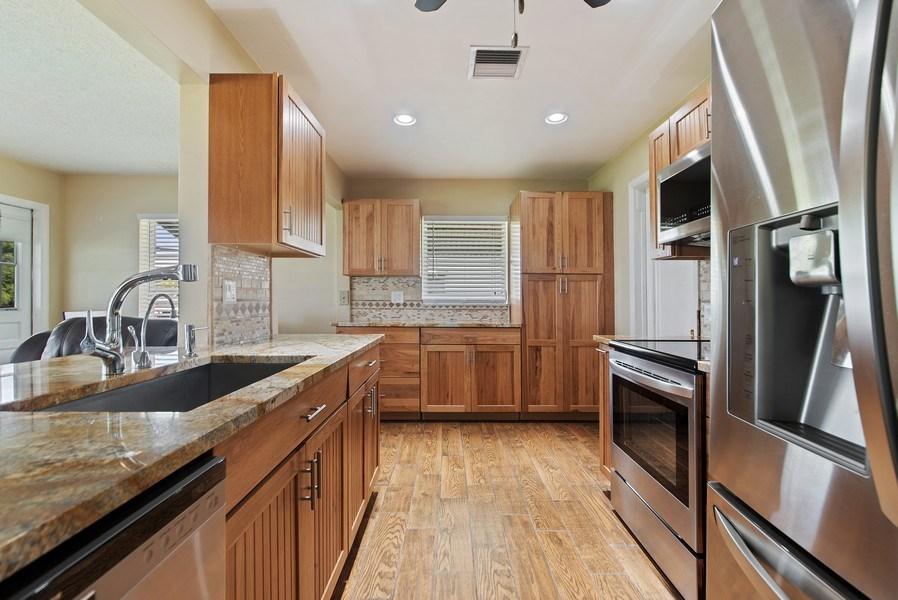 Real Estate Photography - 133 NW 14th St, Boynton Beach, FL, 33426 - Kitchen