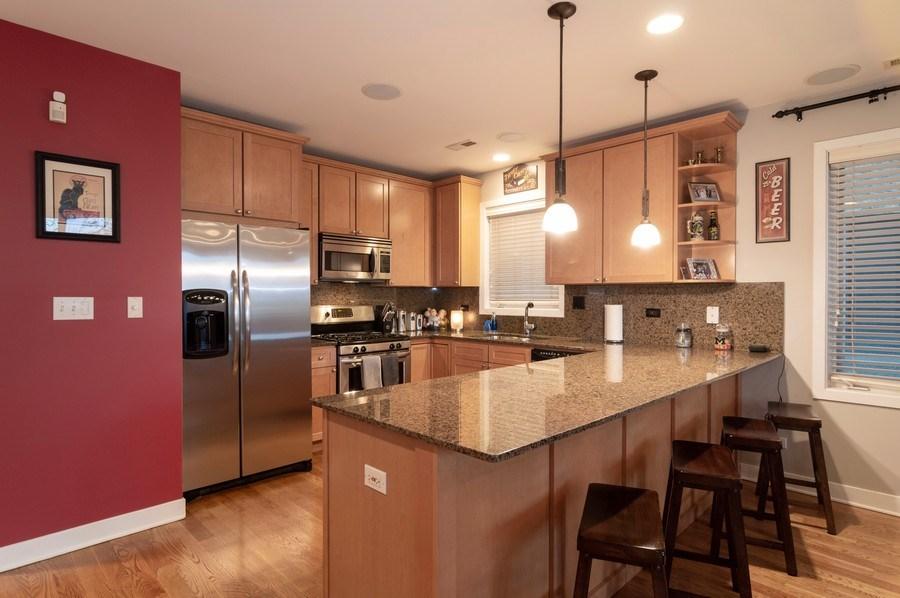 Real Estate Photography - 1506 W Grand Ave, 2E, Chicago, IL, 60642 - Kitchen