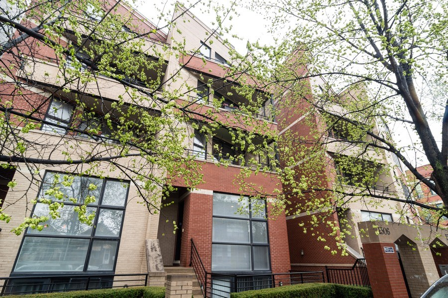 Real Estate Photography - 1506 W Grand Ave, 2E, Chicago, IL, 60642 - Front View