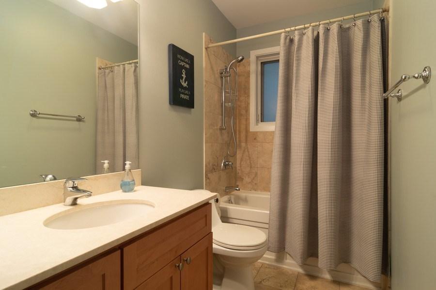 Real Estate Photography - 1506 W Grand Ave, 2E, Chicago, IL, 60642 - Bathroom