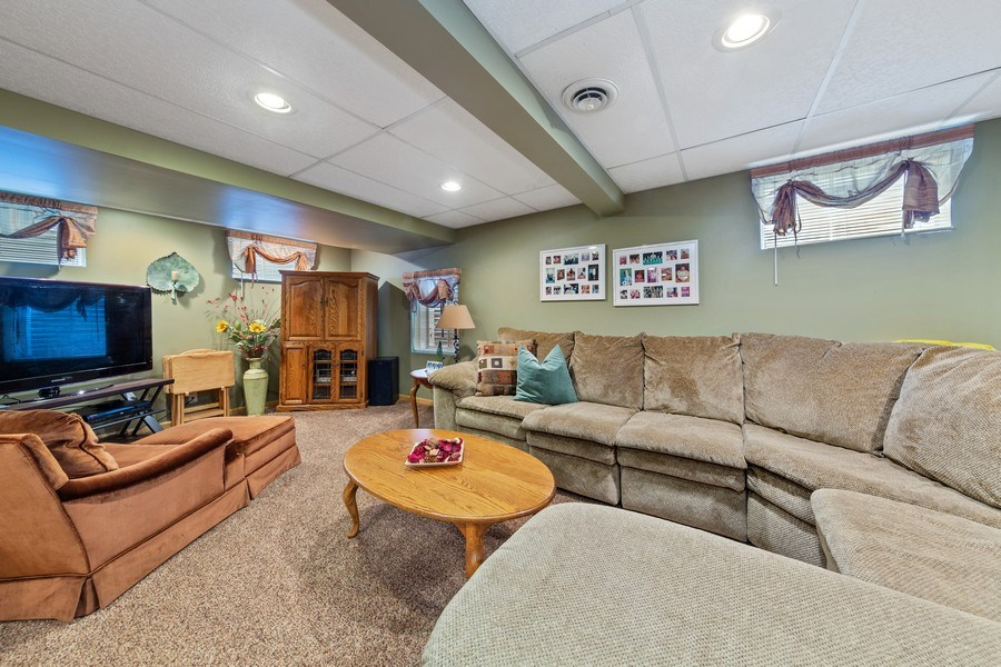 Real Estate Photography - 10S320 Jamie Ln, Willowbrook, IL, 60527 - Lower Level
