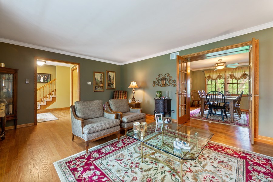 Real Estate Photography - 10S320 Jamie Ln, Willowbrook, IL, 60527 - Living Room