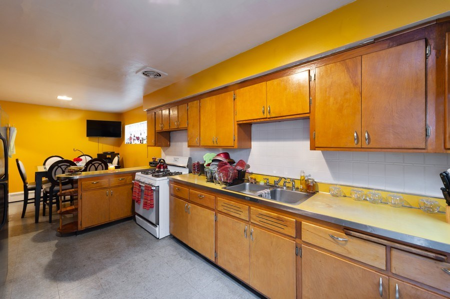 Real Estate Photography - 3115 W 71st St, Chicago, IL, 60629 - Kitchen