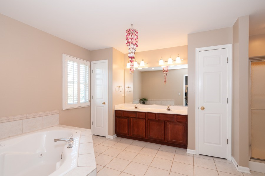 Real Estate Photography - 2065 Clementi, Aurora, IL, 60503 - Master Bathroom