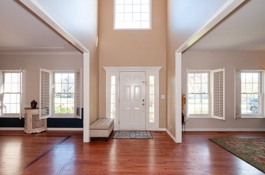Real Estate Photography - 2065 Clementi, Aurora, IL, 60503 - Foyer