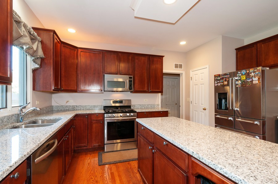 Real Estate Photography - 2065 Clementi, Aurora, IL, 60503 - Kitchen