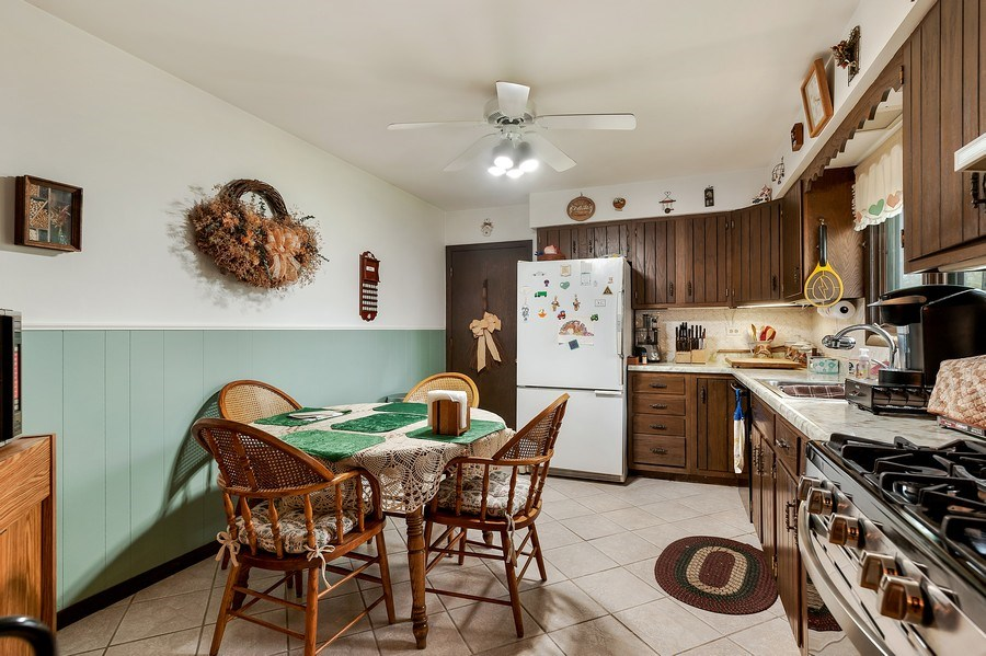 Real Estate Photography - 151 W Depot, Antioch, IL, 60002 - Kitchen / Breakfast Room