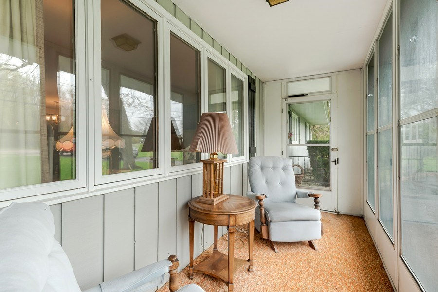 Real Estate Photography - 151 W Depot, Antioch, IL, 60002 - Porch