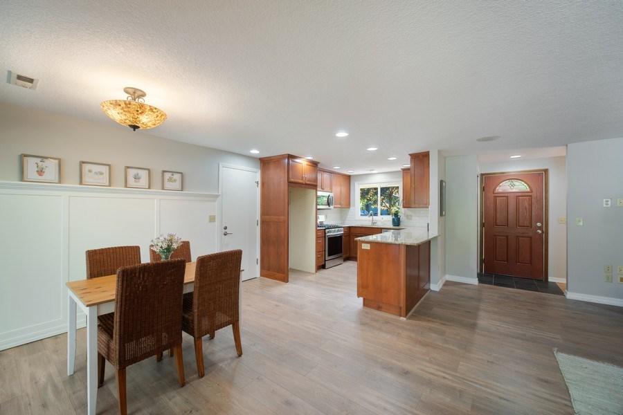 Real Estate Photography - 18552 Edgewood Court, Lake Oswego, OR, 97035 - Kitchen/Dining