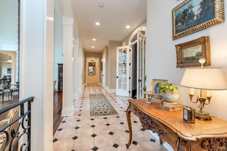 Real Estate Photography - 1027 S Butternut Cir, Frankfort, IL, 60423 - Hallway