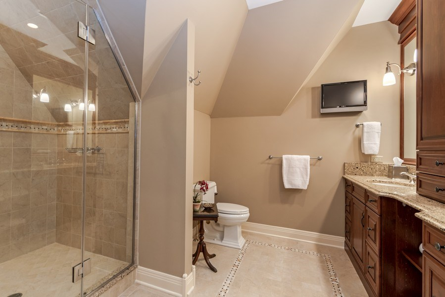 Real Estate Photography - 1027 S Butternut Cir, Frankfort, IL, 60423 - Bedroom Suite 2 Bath