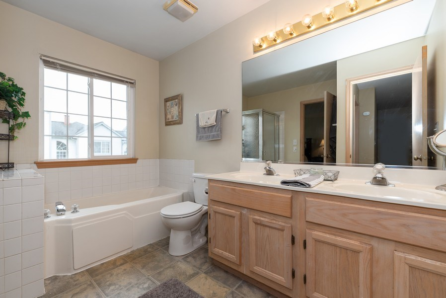 Real Estate Photography - 1120 Longford Road, Bartlett, IL, 60103 - Bathroom