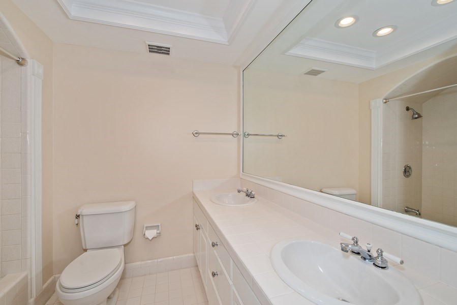 Real Estate Photography - 421 Park North Ct, Winter Park, FL, 32789 - Bath 2