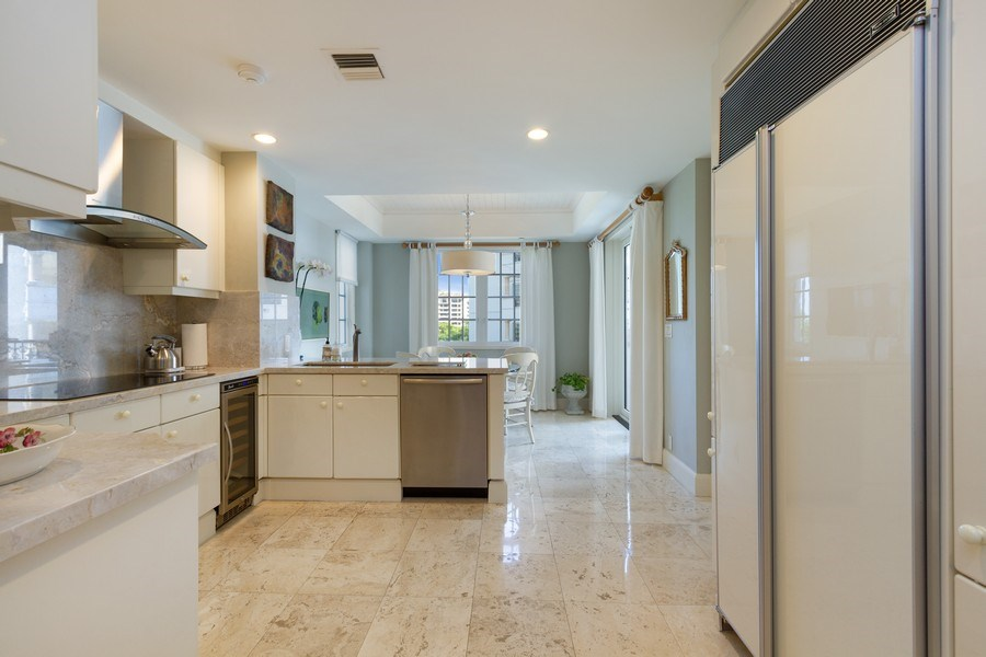 Real Estate Photography - 7751 Fisher Island Dr, 7751, Miami Beach, FL, 33109 - Kitchen