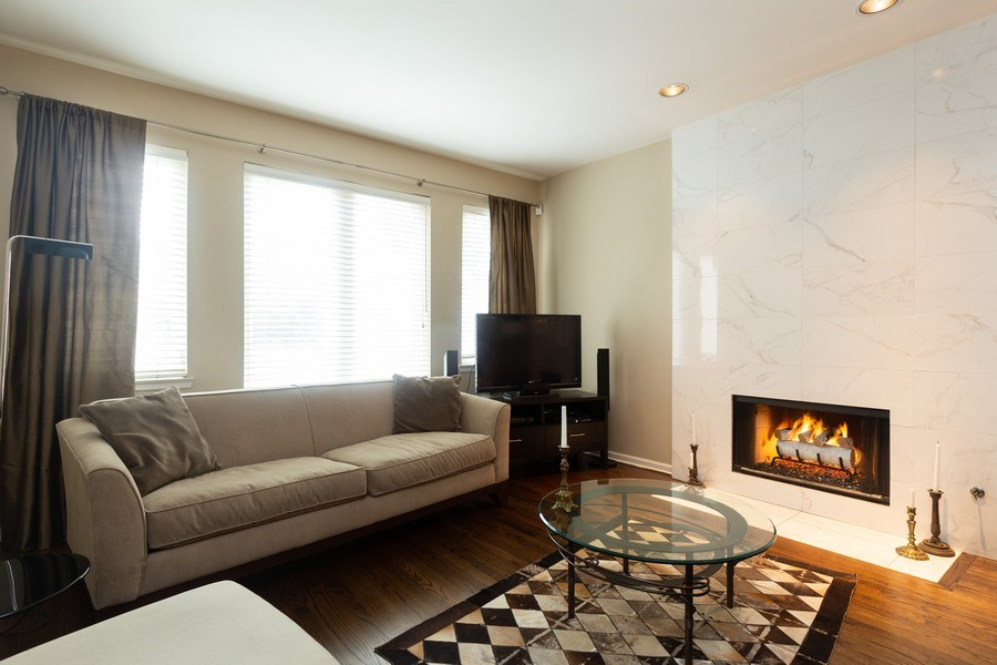 Real Estate Photography - 1112 N. Paulina, #1, Chicago, IL, 60622 - Living Room