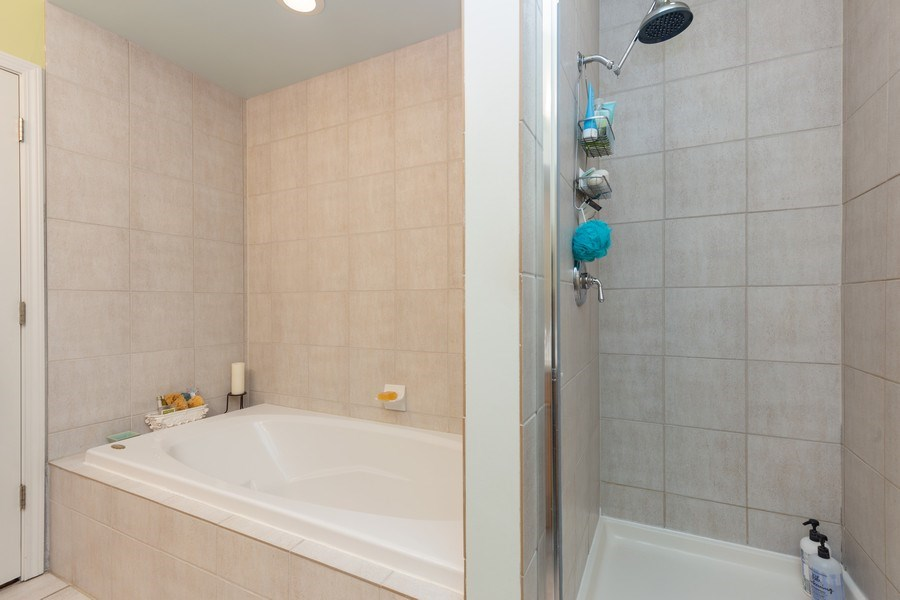 Real Estate Photography - 1112 N. Paulina, #1, Chicago, IL, 60622 - Master Bathroom