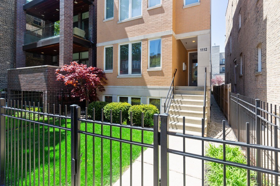 Real Estate Photography - 1112 N. Paulina, #1, Chicago, IL, 60622 - Front View