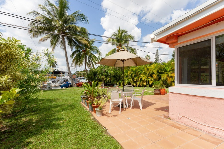 Real Estate Photography - 2130 NW 13 St, Miami, FL, 33125 -