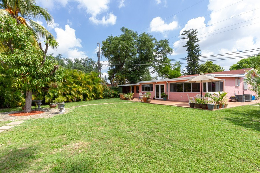 Real Estate Photography - 2130 NW 13 St, Miami, FL, 33125 - Back Yard
