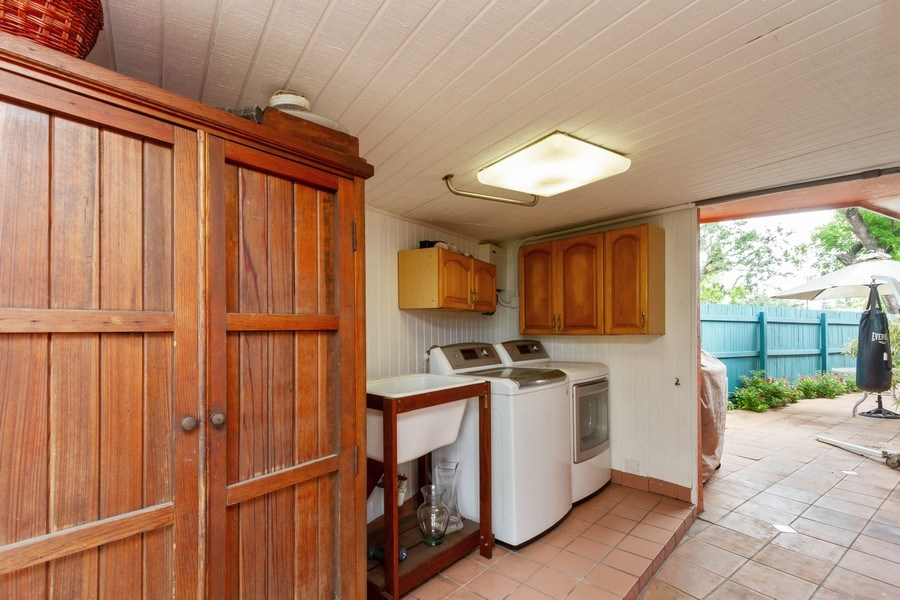 Real Estate Photography - 2130 NW 13 St, Miami, FL, 33125 - Laundry Room