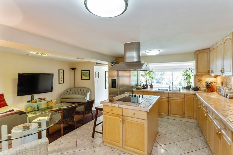 Real Estate Photography - 2130 NW 13 St, Miami, FL, 33125 - Kitchen