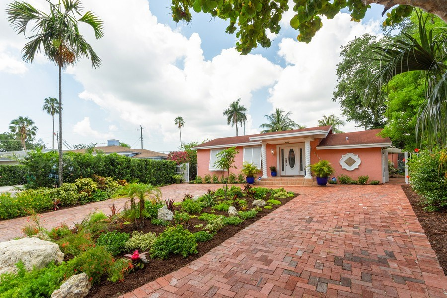 Real Estate Photography - 2130 NW 13 St, Miami, FL, 33125 - Front View