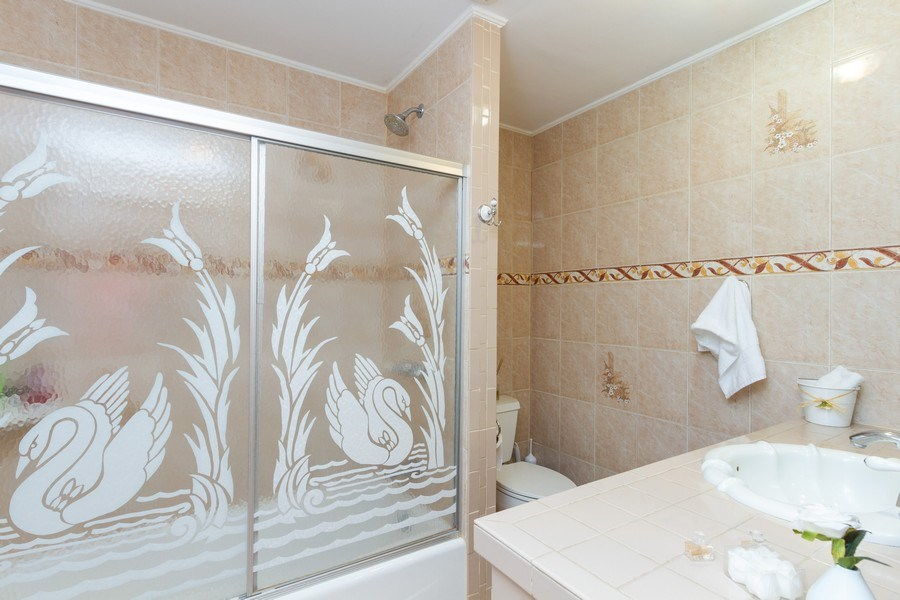 Real Estate Photography - 2130 NW 13 St, Miami, FL, 33125 - 2nd Bathroom