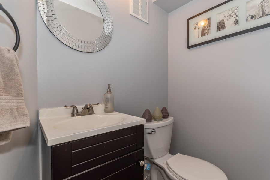 Real Estate Photography - 422 Belmont Ln, Bartlett, IL, 60103 - 3rd Bathroom