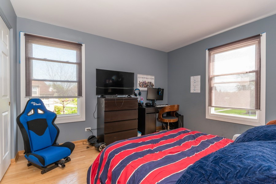 Real Estate Photography - 422 Belmont Ln, Bartlett, IL, 60103 - 3rd Bedroom