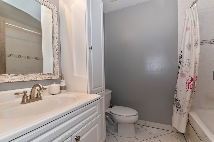 Real Estate Photography - 422 Belmont Ln, Bartlett, IL, 60103 - 2nd Bathroom