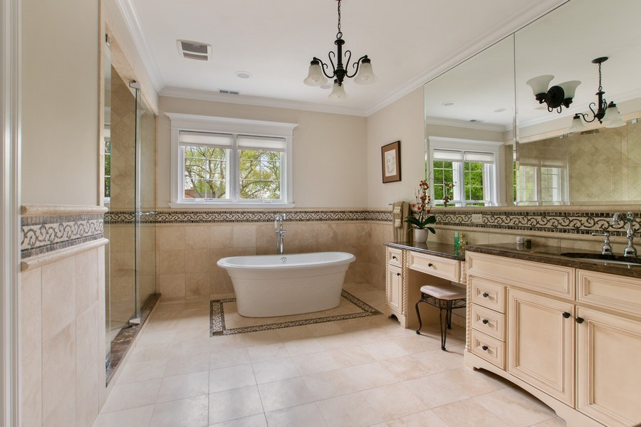Real Estate Photography - 800 Becker, Glenview, IL, 60025 - Master Bathroom