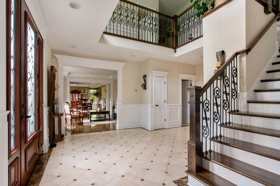 Real Estate Photography - 800 Becker, Glenview, IL, 60025 - Foyer