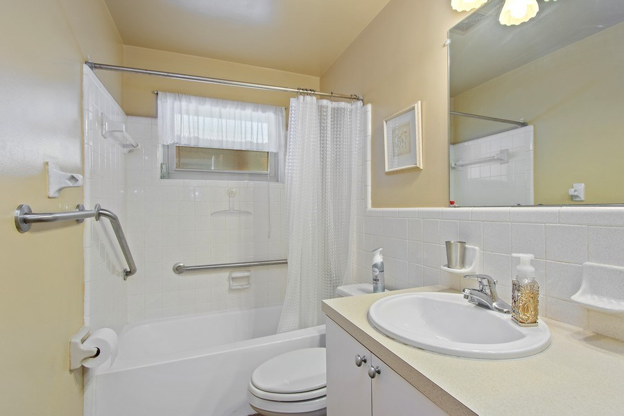 Real Estate Photography - 1389 Sea Breeze St, Clearwater, FL, 33756 - 2nd Bathroom