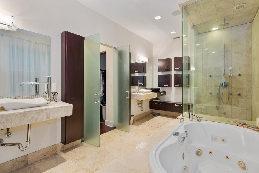 Real Estate Photography - 1937 N Wood, Chicago, IL, 60622 - Master Bathroom