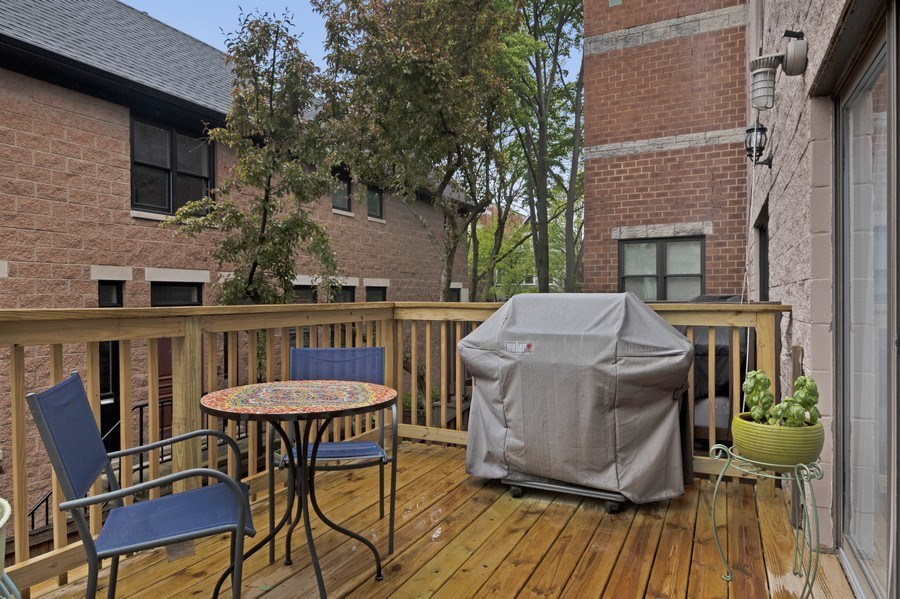 Real Estate Photography - 2720 N Greenview, Unit L, Chicago, IL, 60614 - Deck