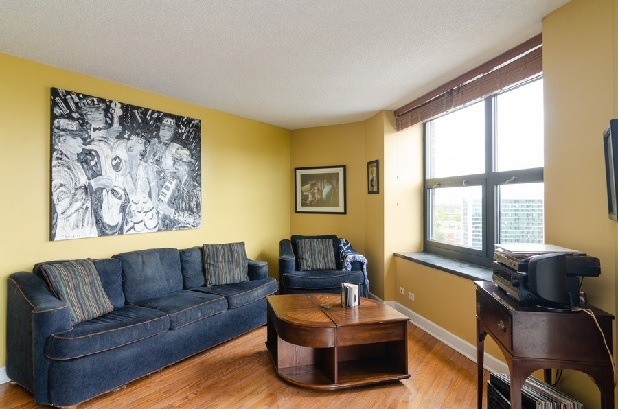 Real Estate Photography - 3660 N Lake Shore Drive, Unit 1513, Chicago, IL, 60613 - Living Room