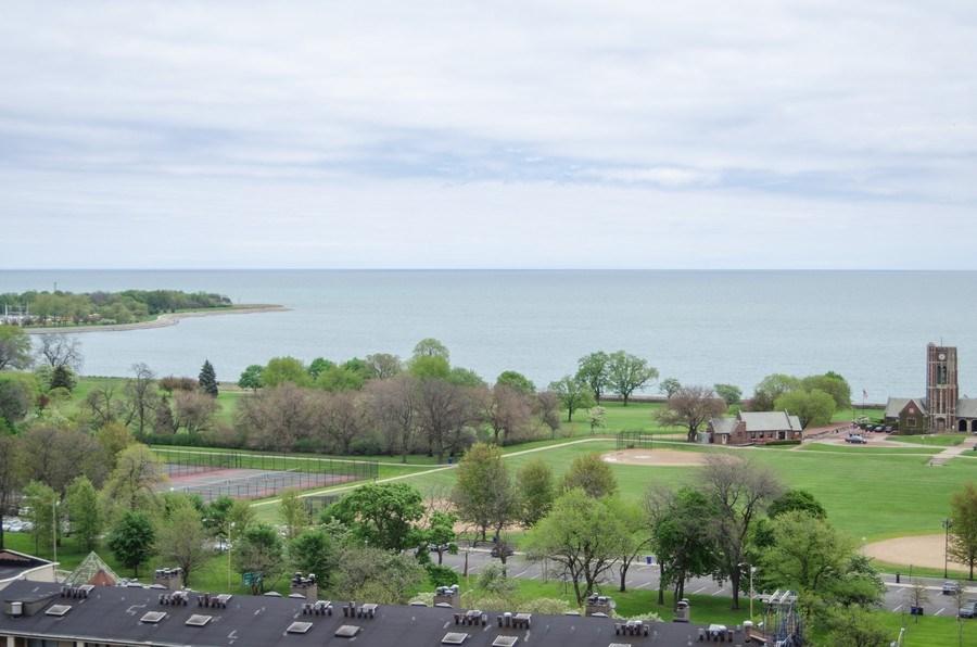 Real Estate Photography - 3660 N Lake Shore Drive, Unit 1513, Chicago, IL, 60613 - Lake View