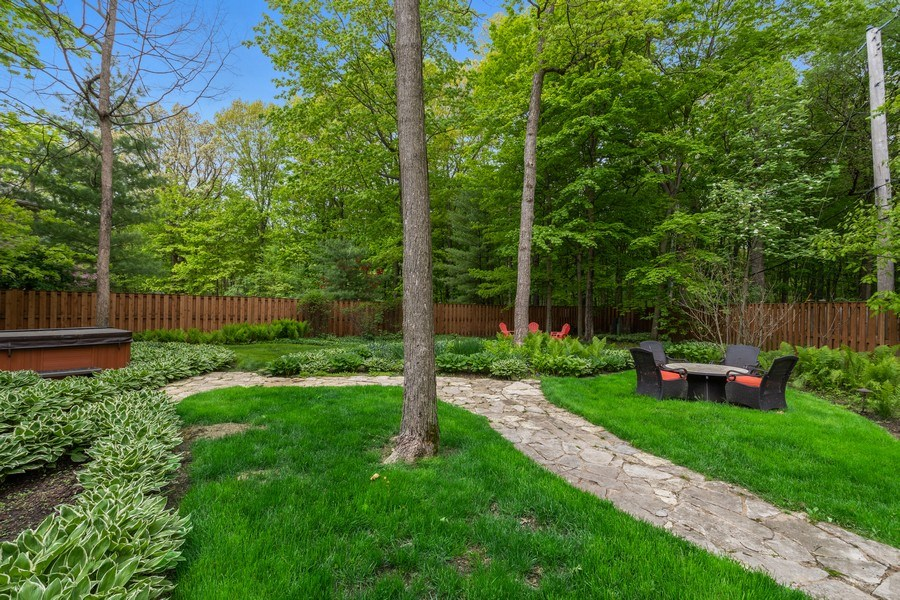 Real Estate Photography - 3860 Timbers Edge Ln, Glenview, IL, 60025 - Back Yard