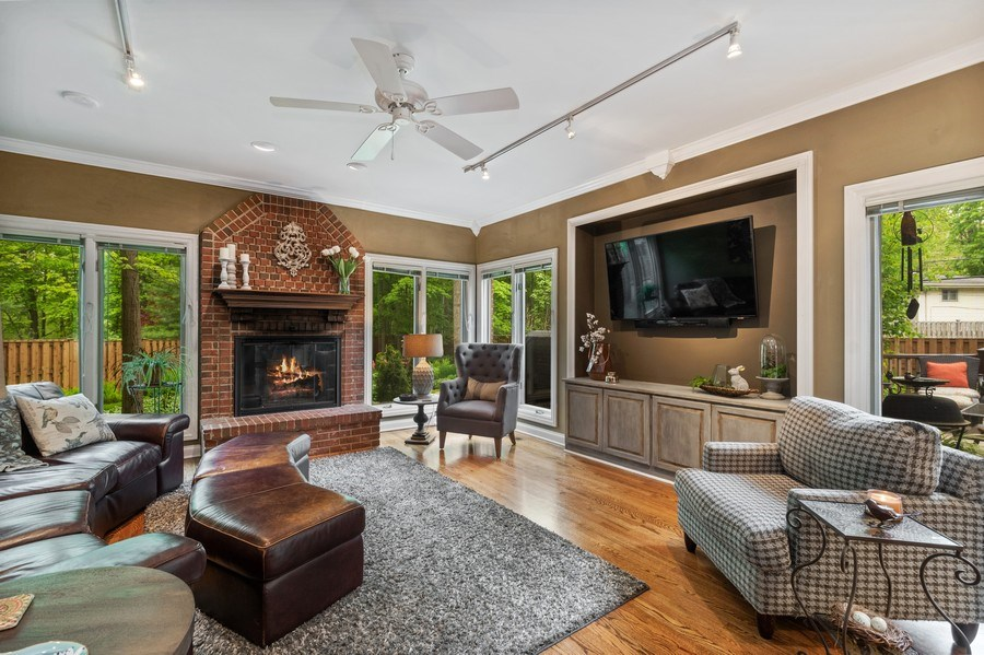 Real Estate Photography - 3860 Timbers Edge Ln, Glenview, IL, 60025 - Family Room