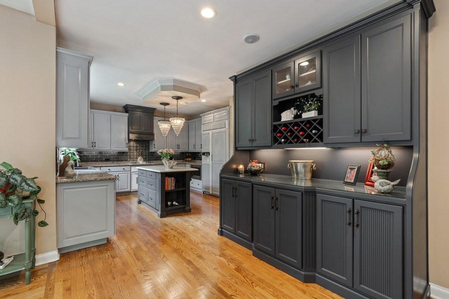Real Estate Photography - 3860 Timbers Edge Ln, Glenview, IL, 60025 - Kitchen